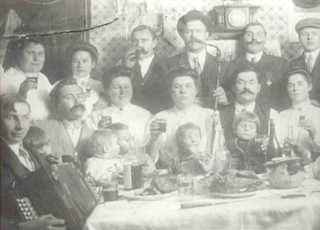 Skamarakas and Zemitis 1920's family gathering 2nd and Fernon South Philly Philadelphia, PA
